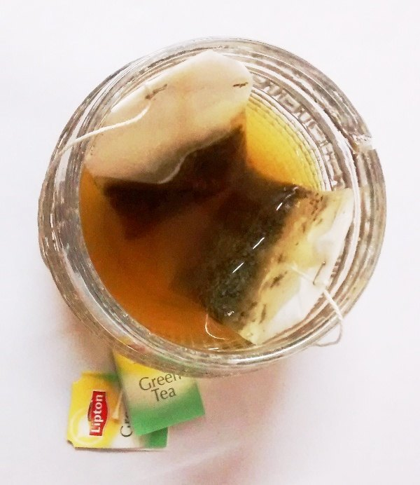 · Get glowing skin and beautiful hair with USED GREEN TEA BAGS, Beauty benefits of used green tea bags, How to make green tea face toner, green tea tightens pores, Green tea bags for sun burn, Used.