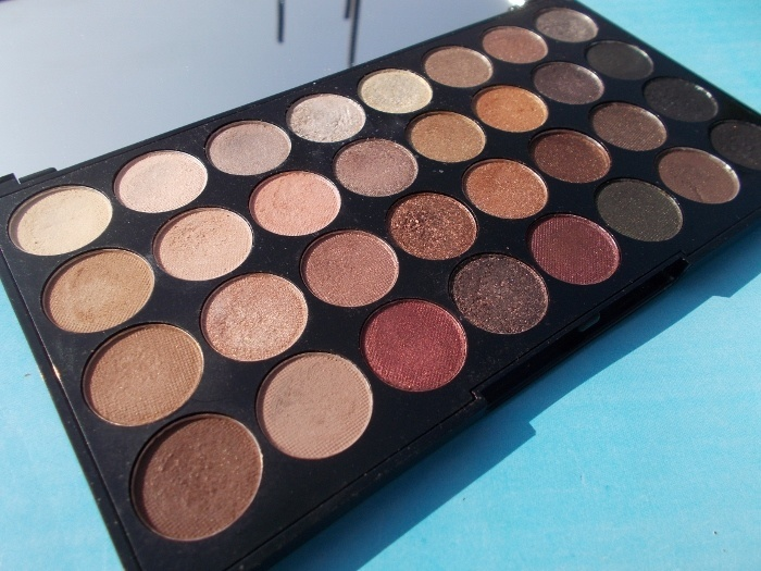 Makeup Revolution Ultra Eyeshadows Flawless Palette
