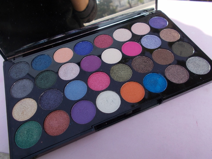 Makeup Revolution Ultra Eyeshadows Eyes Like Angels Palette