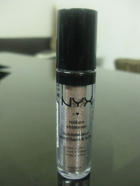 NYX Roll On Shimmer in Salmon