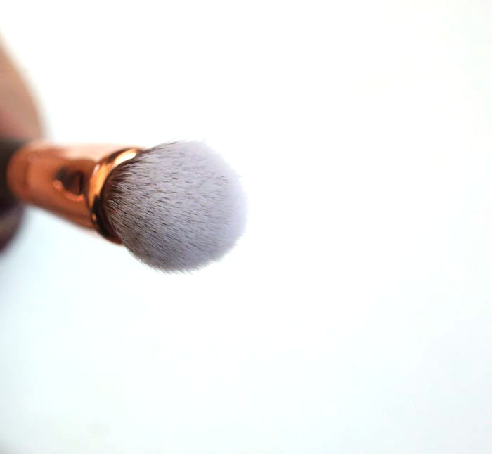 zoeva-face-shape-brush-110-3