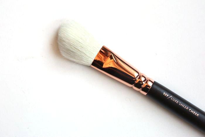 zoeva luxe sheer cheek 127 brush