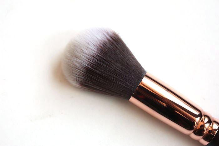 zoeva powder brush 106 review