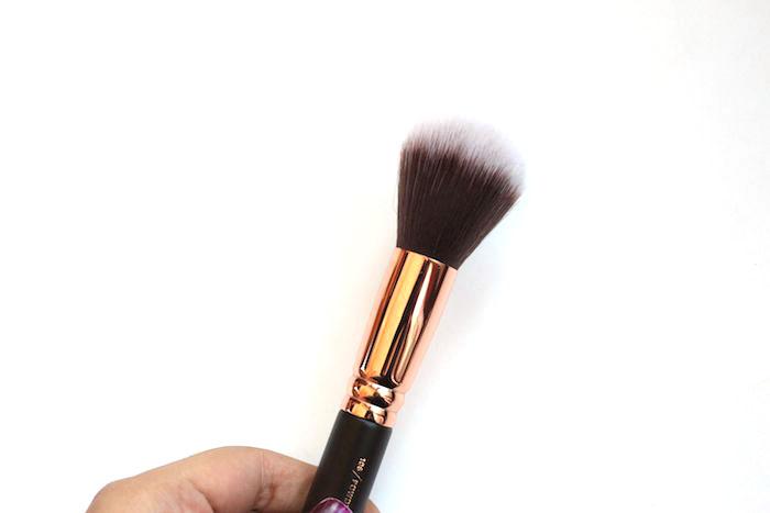 zoeva-powder-brush-106-3