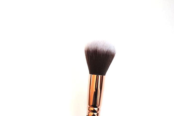 zoeva-powder-brush-106-4