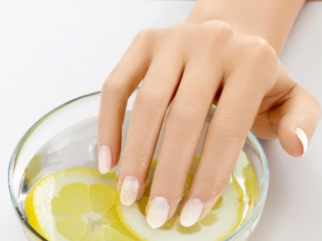 Strengthening Orange and Olive Oil Nail Soak Do-it-Yourself