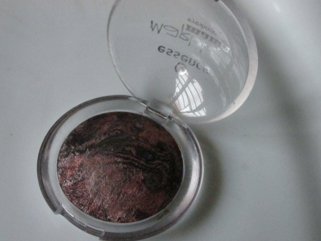 Essence Marble Mania Eyeshadow in Swirl It, Baby! Review