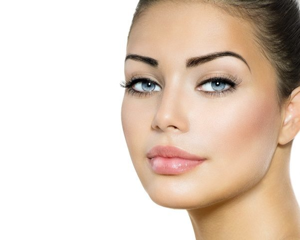 10 Tricks to Look 10 Years Younger Instantly