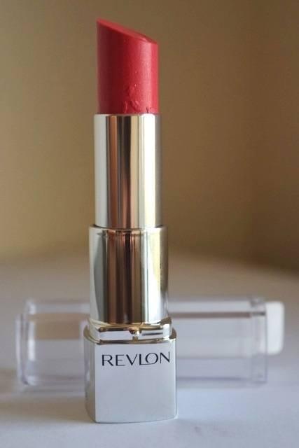 Revlon Ultra HD Lipstick in Hydrangea (2)
