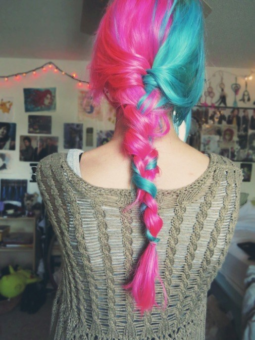 how to rock split dyed hair