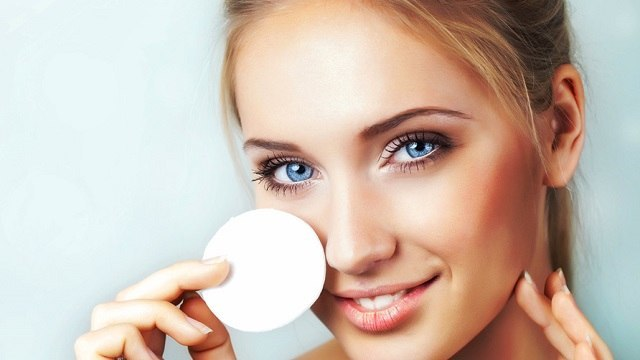 Makeup Removing Mistakes You Are Probably Making