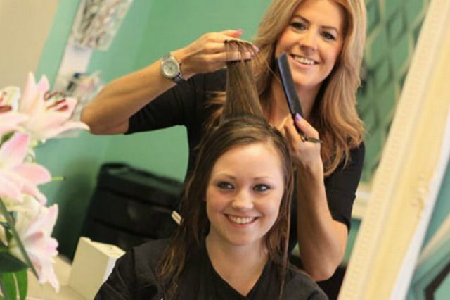 9 Questions To Ask Your Hair-dresser Before Having a Hair-cut