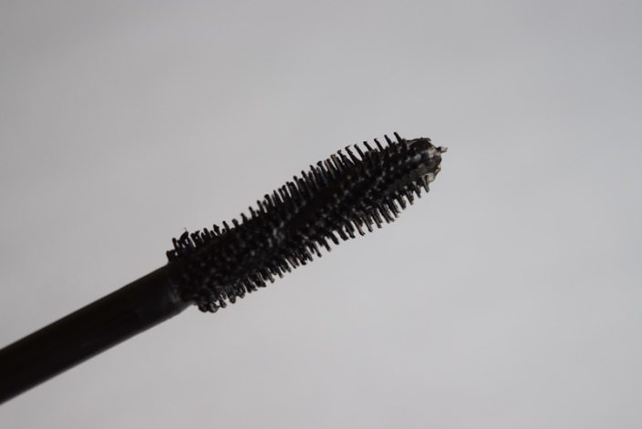 how to get rid of mascara without makeup remover