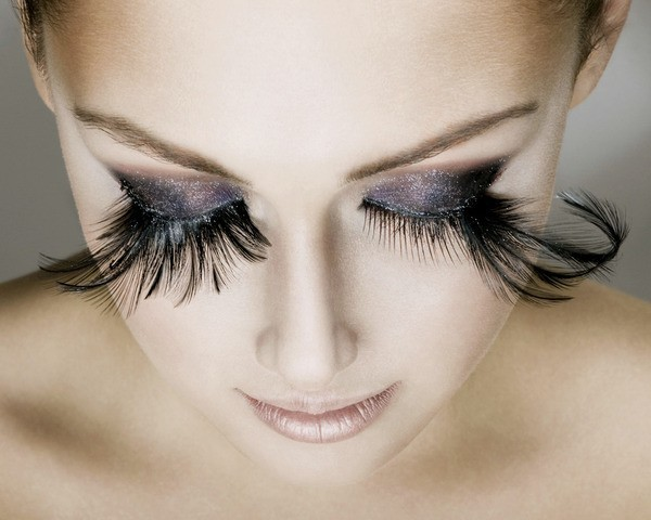8 Strange Beauty Trends That Have Gained a Lot of Attention!