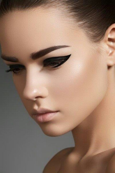 8 Eyeliner Techniques To Up Your Eye Makeup Game