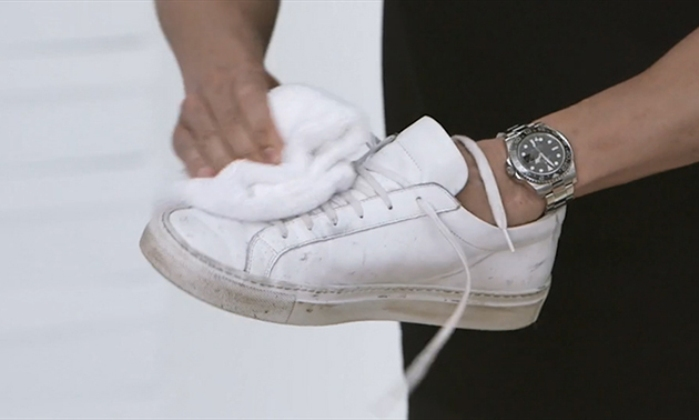10 tips to keep white sneakers clean and pristine