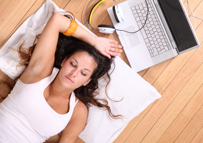 7 Lazy Girl Hacks to Avoid Last-Minute Panic Attacks