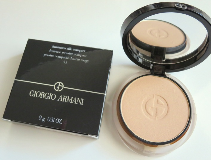 Giorgio Armani Luminous Silk Compact Makeup Review