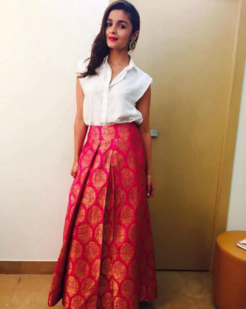 Wedding Function Outfit Tips Inspired By Alia Bhatt