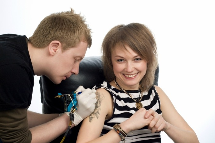 8-effective-ways-to-remove-permanent-tattoo3