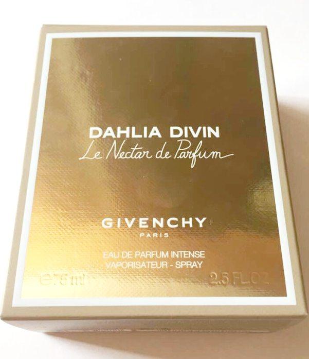 Givenchy Dahlia Divin Le Nectar de Parfum Packaging