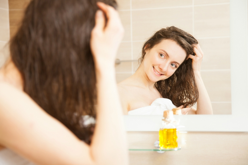 10 Best Home Remedies to Get Rid of Dry Scalp
