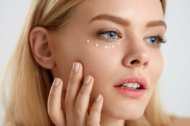 7 Best Eye Creams For Puffy Eyes