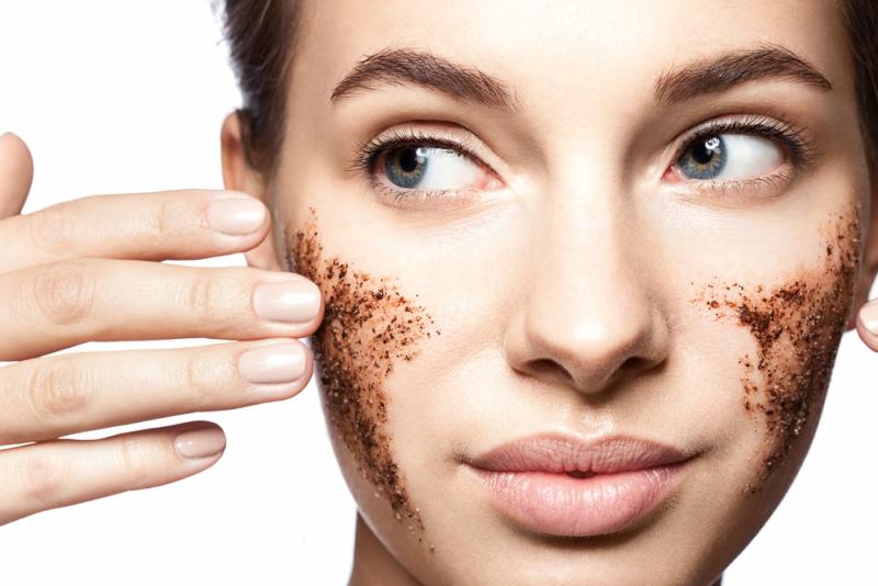 8 Best Exfoliators for Dry Skin