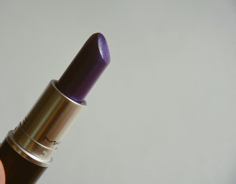 MAC Model Behaviour Lipstick Review